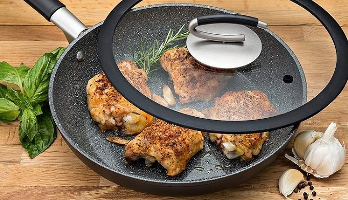 Ceramic Vs Nonstick: Is Ceramic Better than Nonstick?