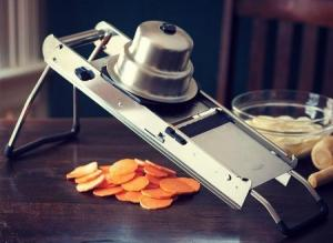 What Is a Mandoline Slicer?